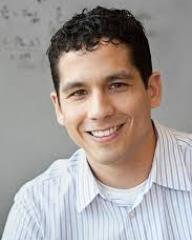 Headshot of Ryan Hernandez
